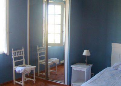 1er étage : chambre avec 2 lits simples